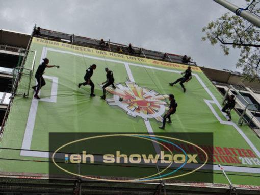 eh-Showbox <br> Vertikale Inszenierungen <br> Weltweit